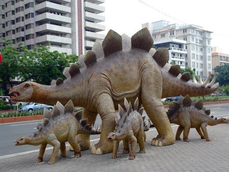 Приймаються фантастичні оповідання до тематичної збірки «Чому вижили динозаври?» (рос.)