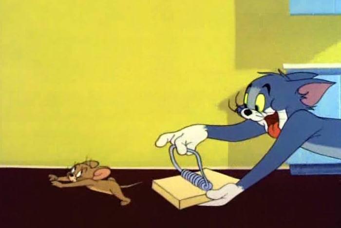 Игра кот за мышкой бегает