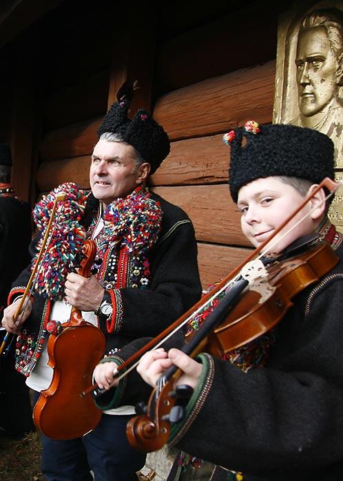 Скрипалі у Криворівні