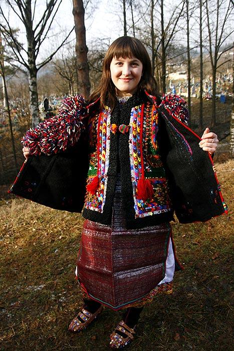 Гуцульська модниця з Криворівні