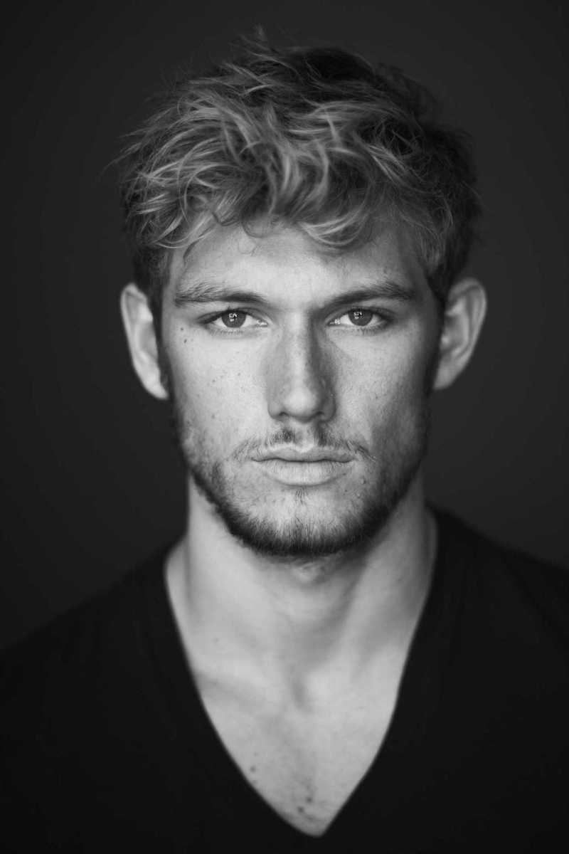 Alex Pettyfer - Wallpaper