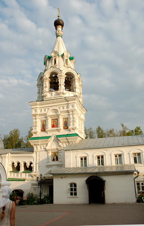 Колокольня Троицкого монастыря