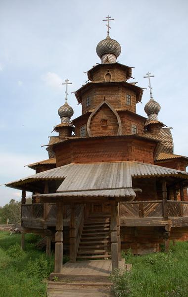 Деревянная Преображенская церковь