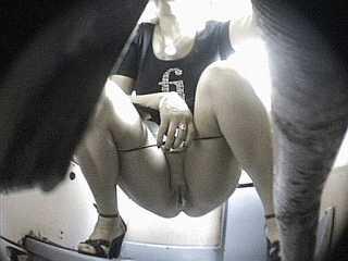 porno-video-skritaya-kamera-devushki-pisayut
