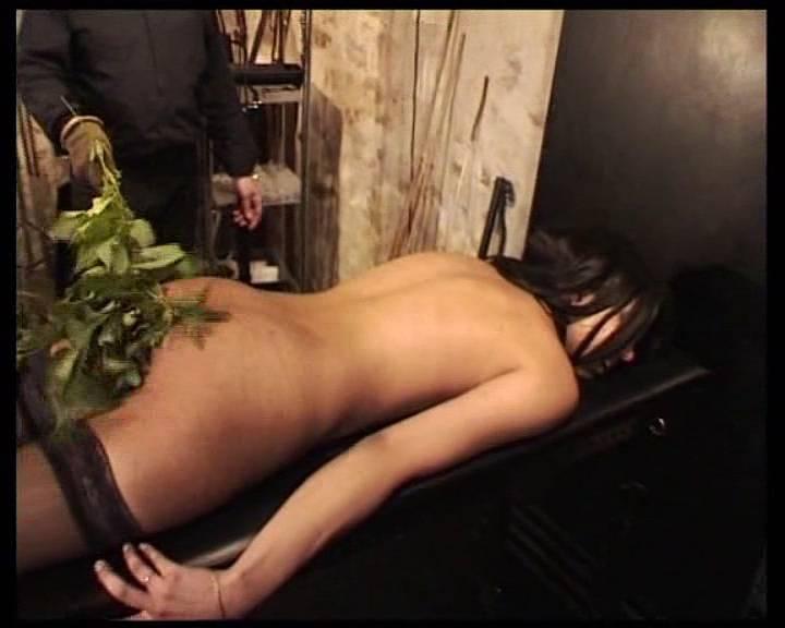 Порно порка ремнем розгами
