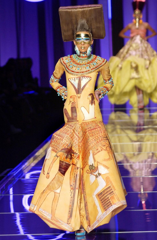 Fashion: Designers, Events, Media. - THE INTERNATIONAL MAN John galliano egyptian fashion