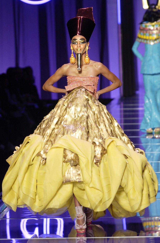 John galliano egyptian fashion The Marchesa Luisa Casati
