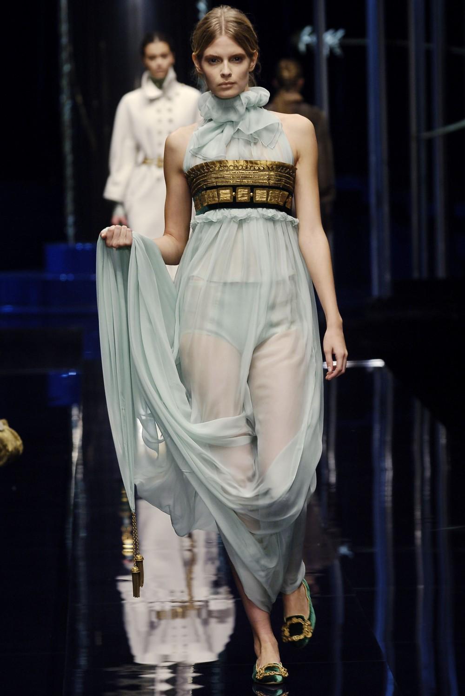 Платье в римском стиле фото 1