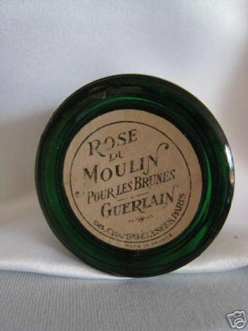 http://www.ljplus.ru/img4/m/i/milkshake_m/GUERLAIN-ROSE-DU-MOULIN-ROUGE-BOTTLE-GILT-GREEN-GLASS-p4.jpg