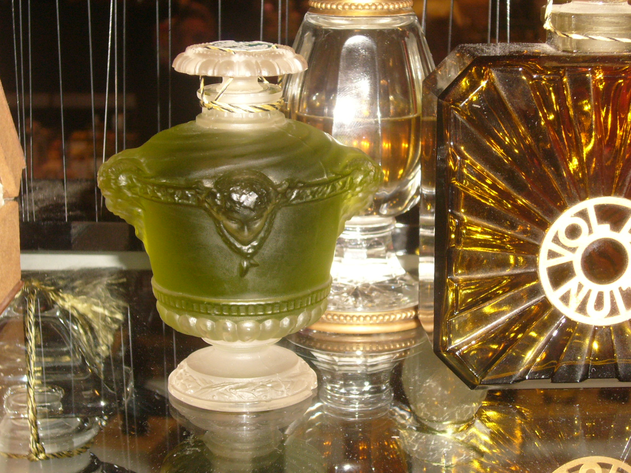 http://www.ljplus.ru/img4/m/i/milkshake_m/Le-bouquet-de-faune_-Guerlain-1925_-RenG_-Lalique.jpg