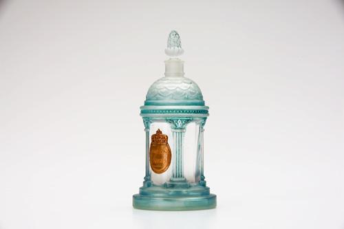 http://www.ljplus.ru/img4/m/i/milkshake_m/MARCEL-GUERLAIN-_Pavillion-Royal_-perfume-bottle.jpg