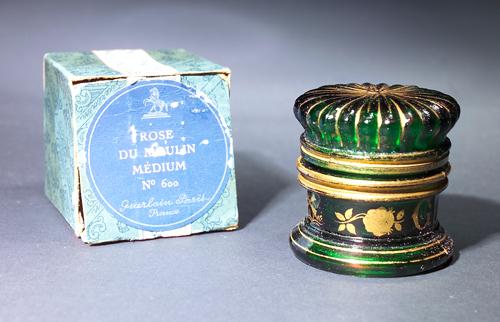 http://www.ljplus.ru/img4/m/i/milkshake_m/Rose-de-Moulin_-a-creme-pot-for-Guerlain_-circa-1907.jpg