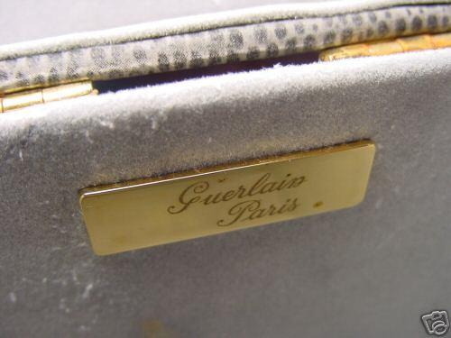 http://www.ljplus.ru/img4/m/i/milkshake_m/Vintage-Guerlain-Paris-Make-Up-Train-Case-Key---Mirror-p4.jpg