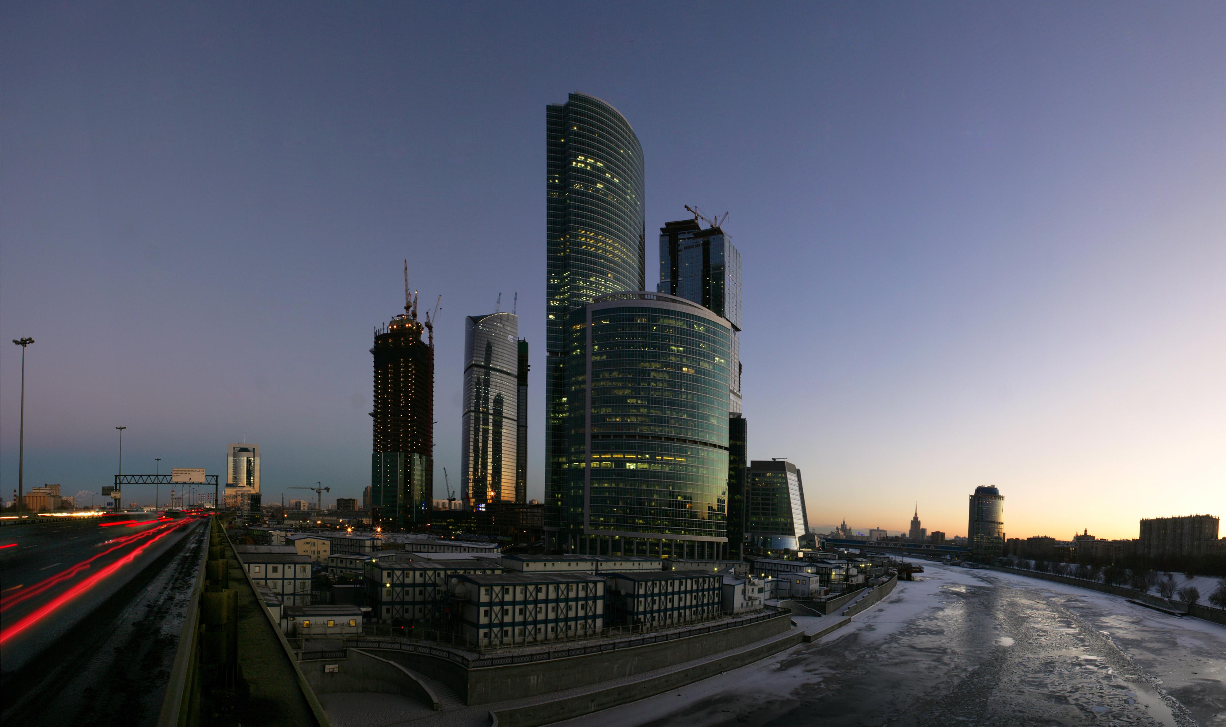 http://www.ljplus.ru/img4/m/i/miraxmedia/city_evening.jpg