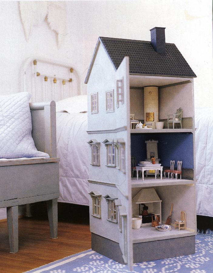 Дом для куклы своими руками фото