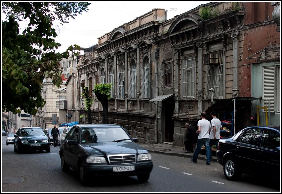 Улочка в старом Тбилиси