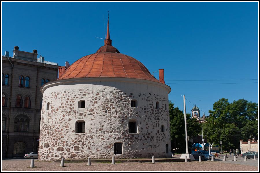 Башня на главной площади города