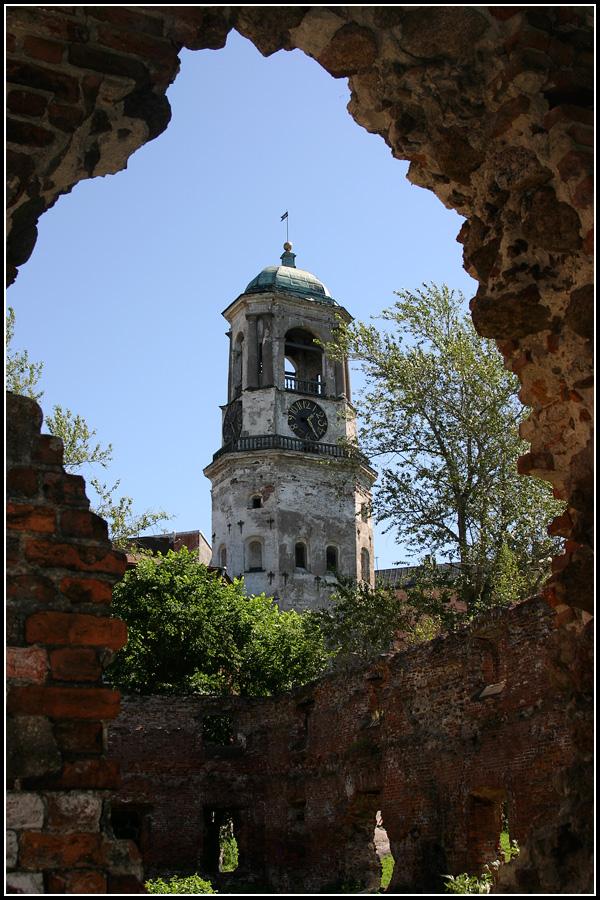 Башня с часами в Выборге