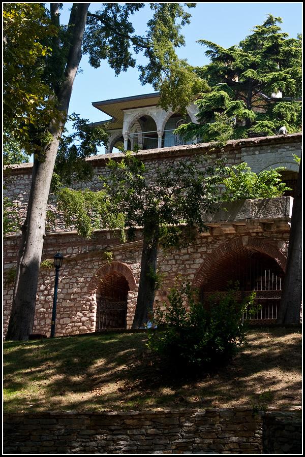 Дворец Топкапы глядя из Гюльхане