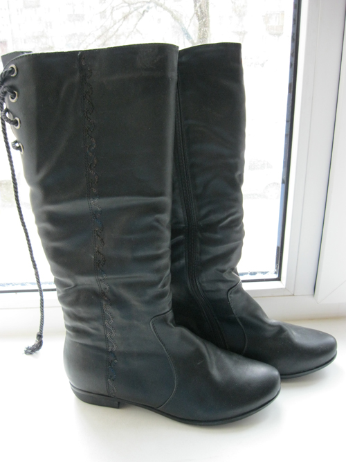 Куплены в порыве вот буду ездить гулять за город - пригодится обувь без