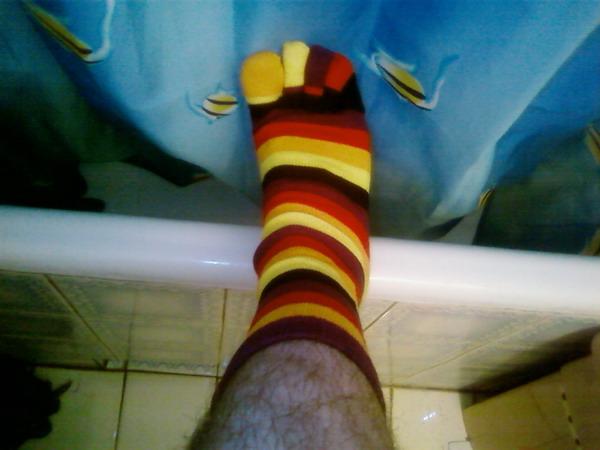 фото лизания носков