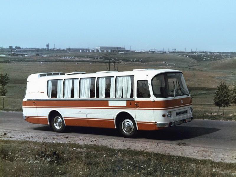 На павловском автобусном заводе где
