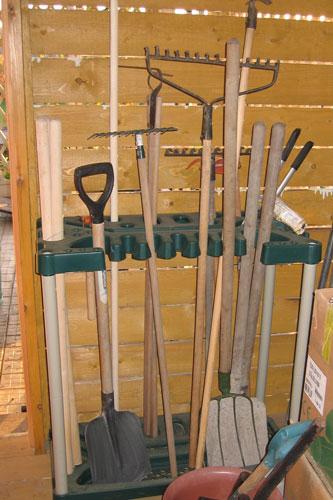 Подставки для лопат