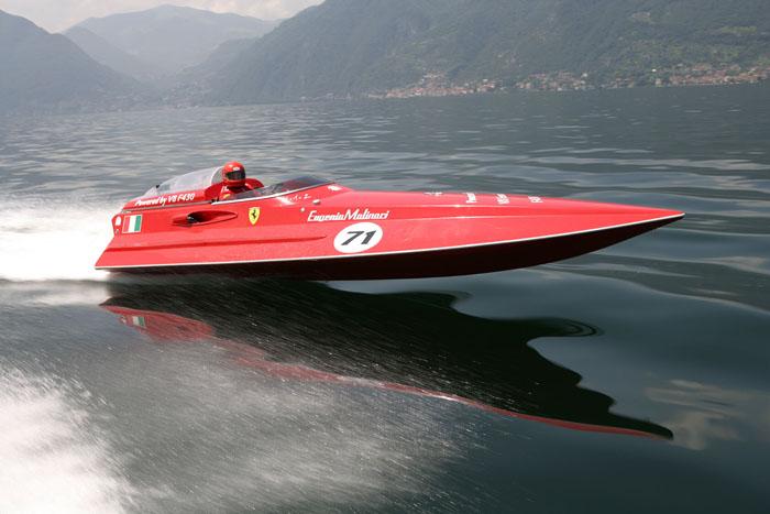скорость лодки 5000 метров в час