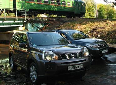 Nissan X-Trail и Toyota RAV4