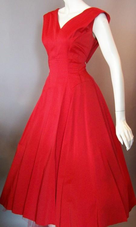 """Девушки, снова попрошу помощи.  Подруга ищет на свадьбу платье в стиле  """"Стиляг """": обтягивающий верх,пояс..."""
