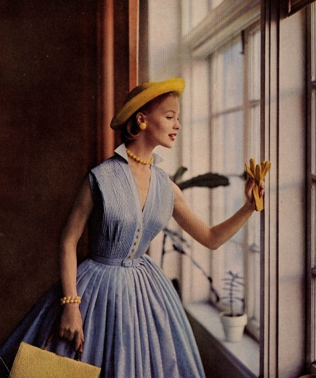 women 50s We have already spoke about formal apparel for women over 50 and today i want to show you best everyday clothing ideas for women over fifty the first rule is to let go of baggy garments which weigh you down.