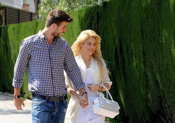 Шакира и ее любимый улетели на свадьбу в Аргентину - 7Дней.ру