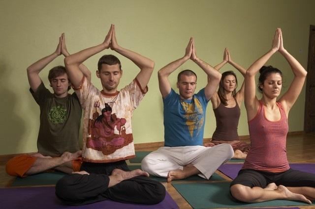 Теория Хатха-йоги: *Настроечные мантры. *Секреты практики Хатха-йоги. *Нюансы практики для различных нужд...