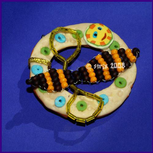 брошь пчелка из бисера - Практическая схемотехника.