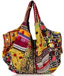 Выбор модной пляжной сумки.