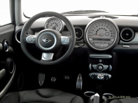 Компания BMW презентовала новое поколение MINI.