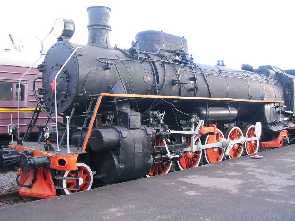 ГРУЗОВОЙ ПАРОВОЗ ФД 20-1103<br>Вес 137 т. Вес с тендером 235т. Конструкционная скорость 85 км.ч. Максимальная мощность 3200 л.с.