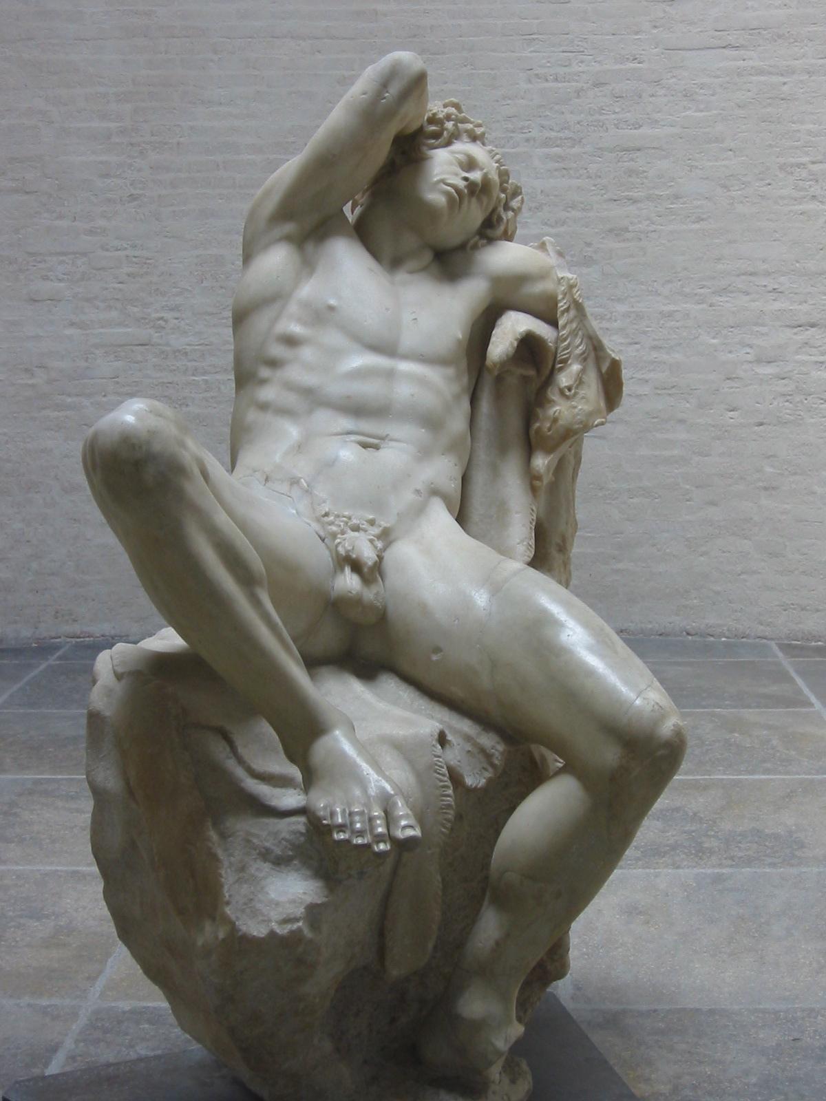 Фото голые статуи 6 фотография