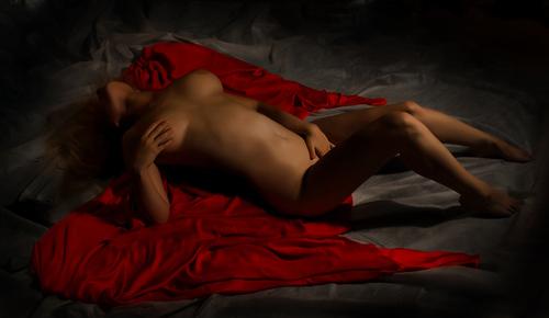 эротические картины девушек позы в юбках фотографии