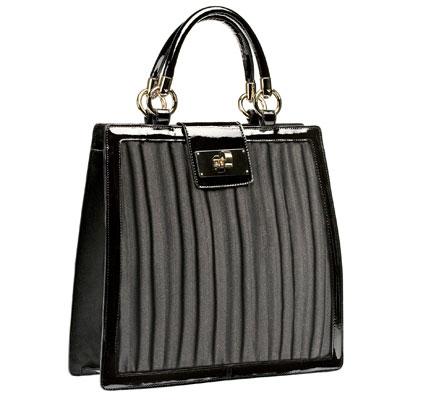 сегодня на сайте увидела вот такую сумочку армани, и влюбилась...