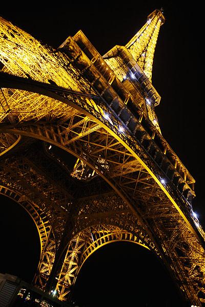 Вид с эфелевой башни на ночной париж