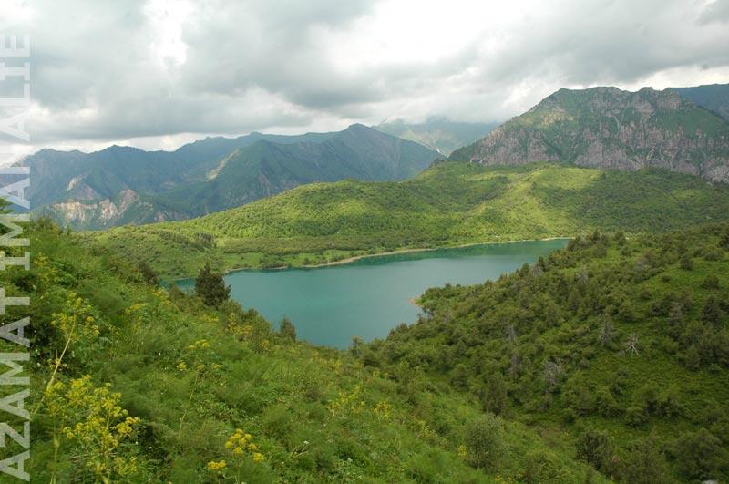 Озеро Кыла-Коль, одно из семи озер Сары-Челека