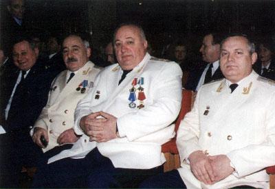 Справа – Тамаев, слева от него: Колесников, Костоев, Умрихин