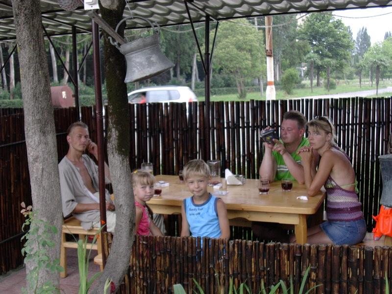 Московские и питерские пустые бамбуки в бамбуковом дворике из гагрского бамбука.