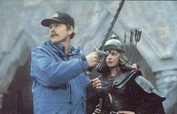 Howard directing actress Joanne Whalley on the proper use of Sorsha's sword