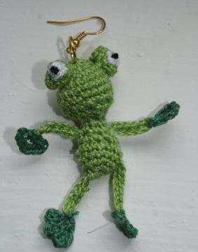 Сережка-лягушка