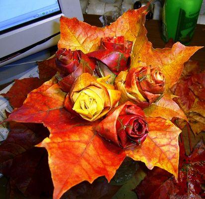 Розочки из листьев клена