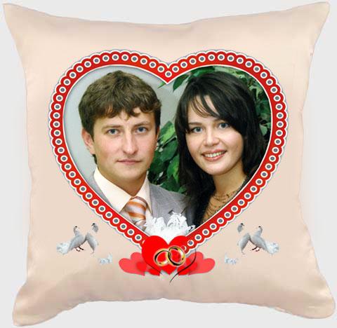 оригинальная подушка с портретом