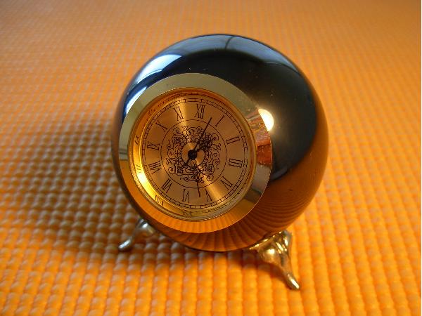Часы с шунгитовым корпусом