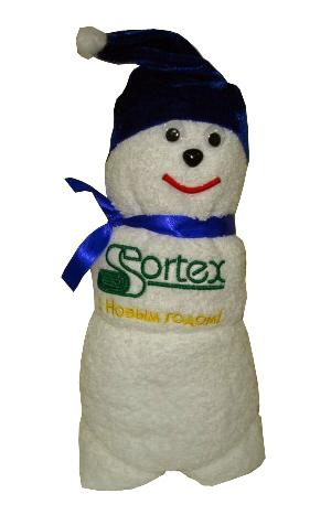 Полотенце, упакованное в виде снеговика